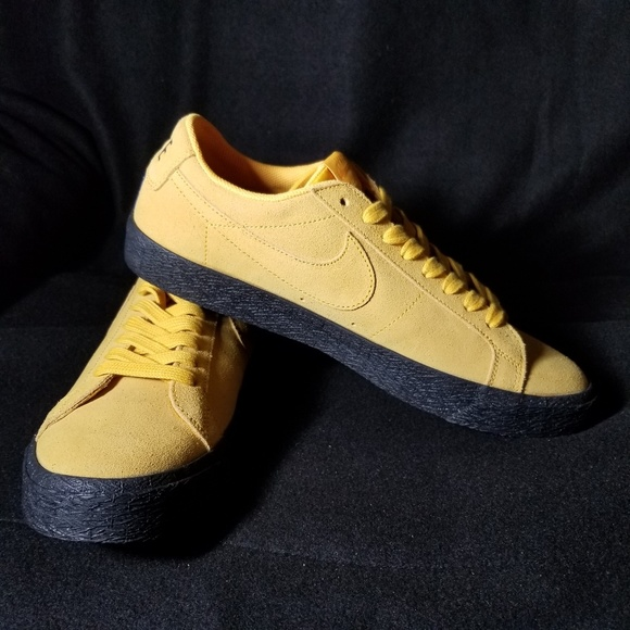 size 40 4a056 aabb2 Nike sb zoom blazer low NWT